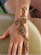 photo of henna tattoos flowers.JPG