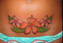 Big hawaiian flowers on the lower front of the stomach.PNG